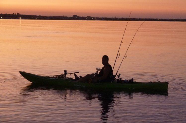 pesca en canoa